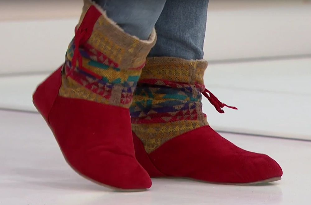 f159a4c7ca72 new BEARPAW Amber Bootie Red Faux Suede Aztec Wool Sheepskin Footbed Womens  7  BEARPAW  Booties