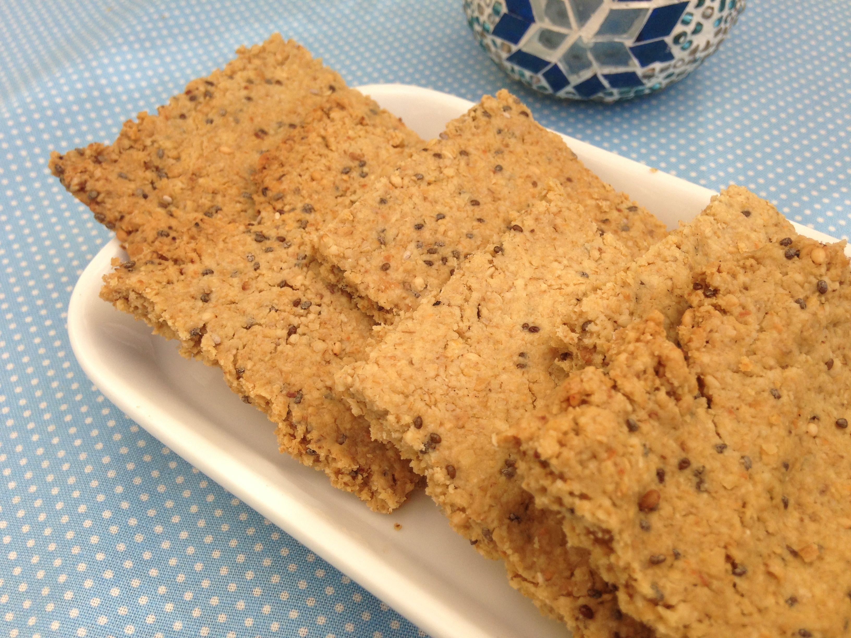 Receta de galletas saladas de avena con aceite de oliva y semillas. Usamos semillas de sésamo y semillas de chia. Un snack sano y rico.  IMPULSOR: POLVO DE HORNEAR O LEVADURA