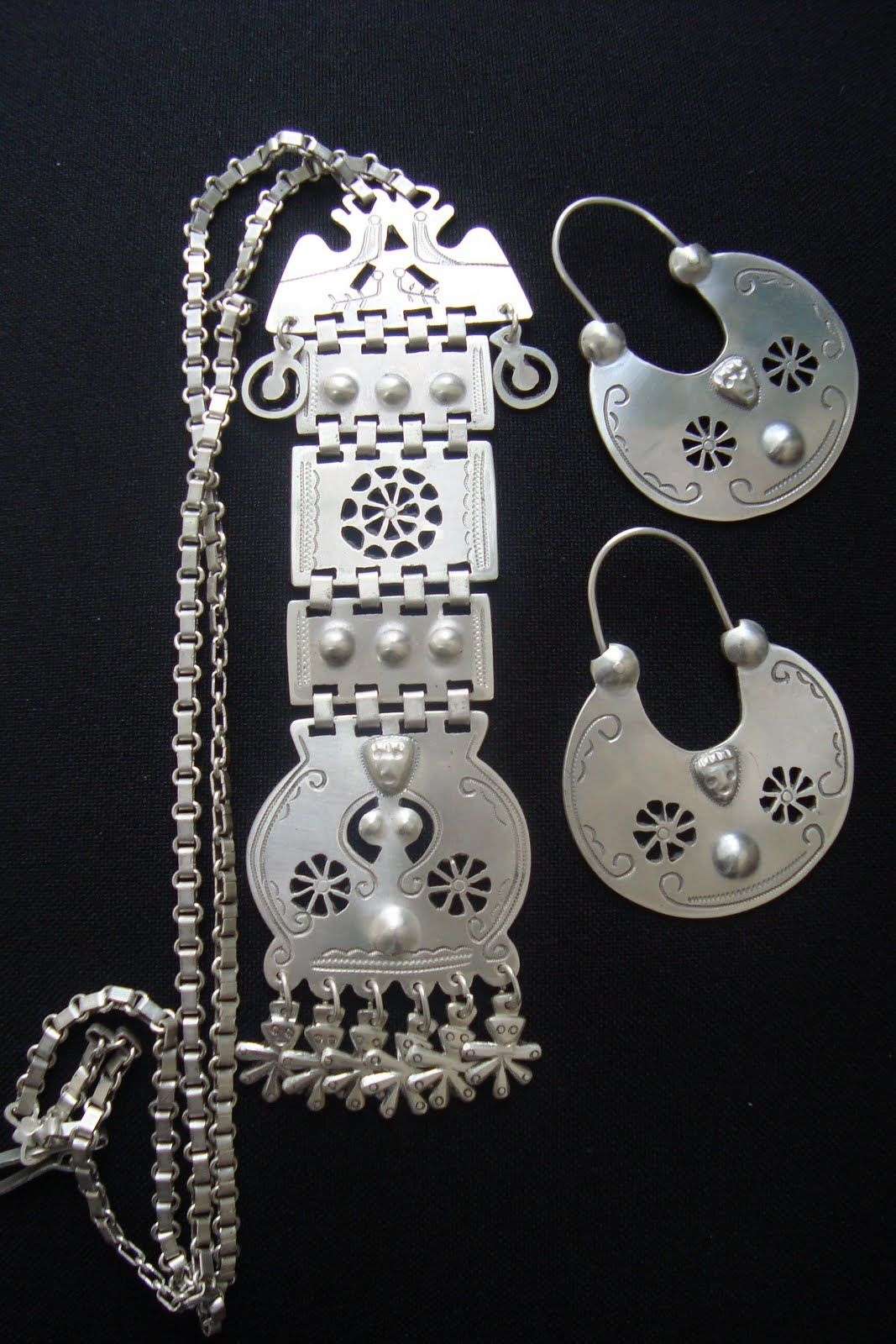 df5db2a3cfcb Mapuche jewellery Artesania Mapuche