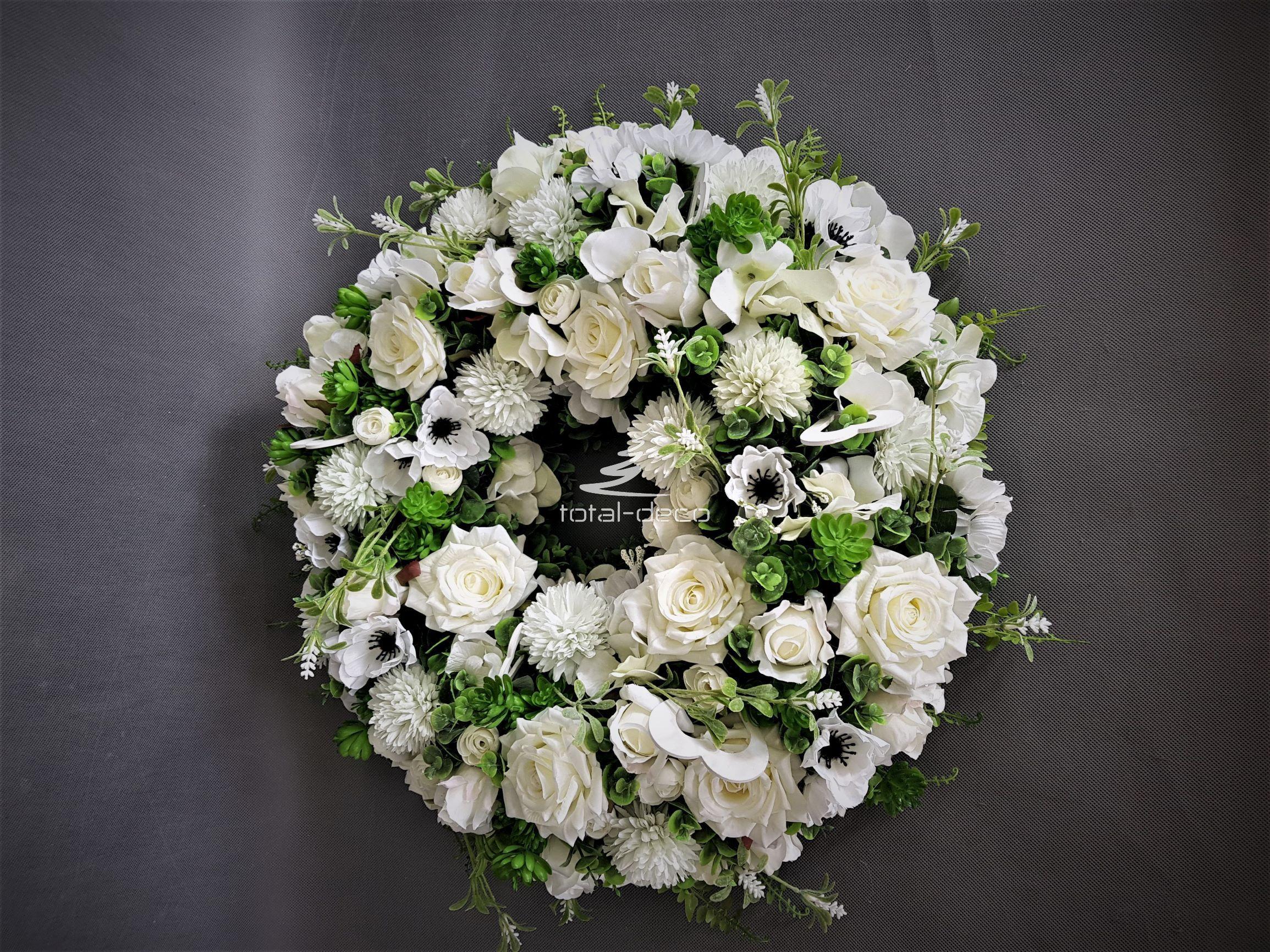 Wianek Na Drzwi Dekoracje Ze Sztucznych Kwiatow Floral Wreath Floral Wreaths