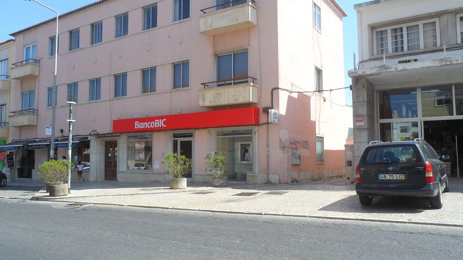 Balcão Banco BIC em Sintra, Portugal