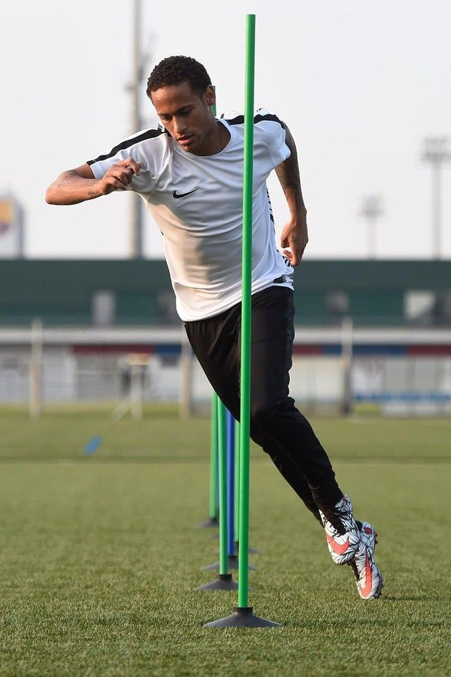 0f27248bb1 Neymar Jr. wearing Nike Strike Tech Soccer Pants