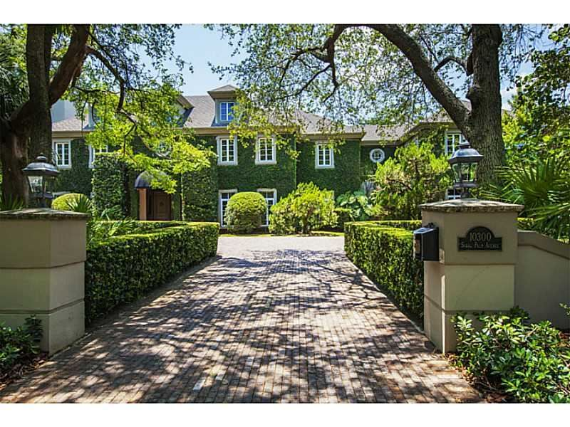 This award-winning property tucked away in the heart of Coral Gables is a true family treasure. A beautifully manicured driveway invites you to a home reminiscent of the English countryside. Coral Gables, FL Coldwell Banker Residential Real Estate $4,650,000