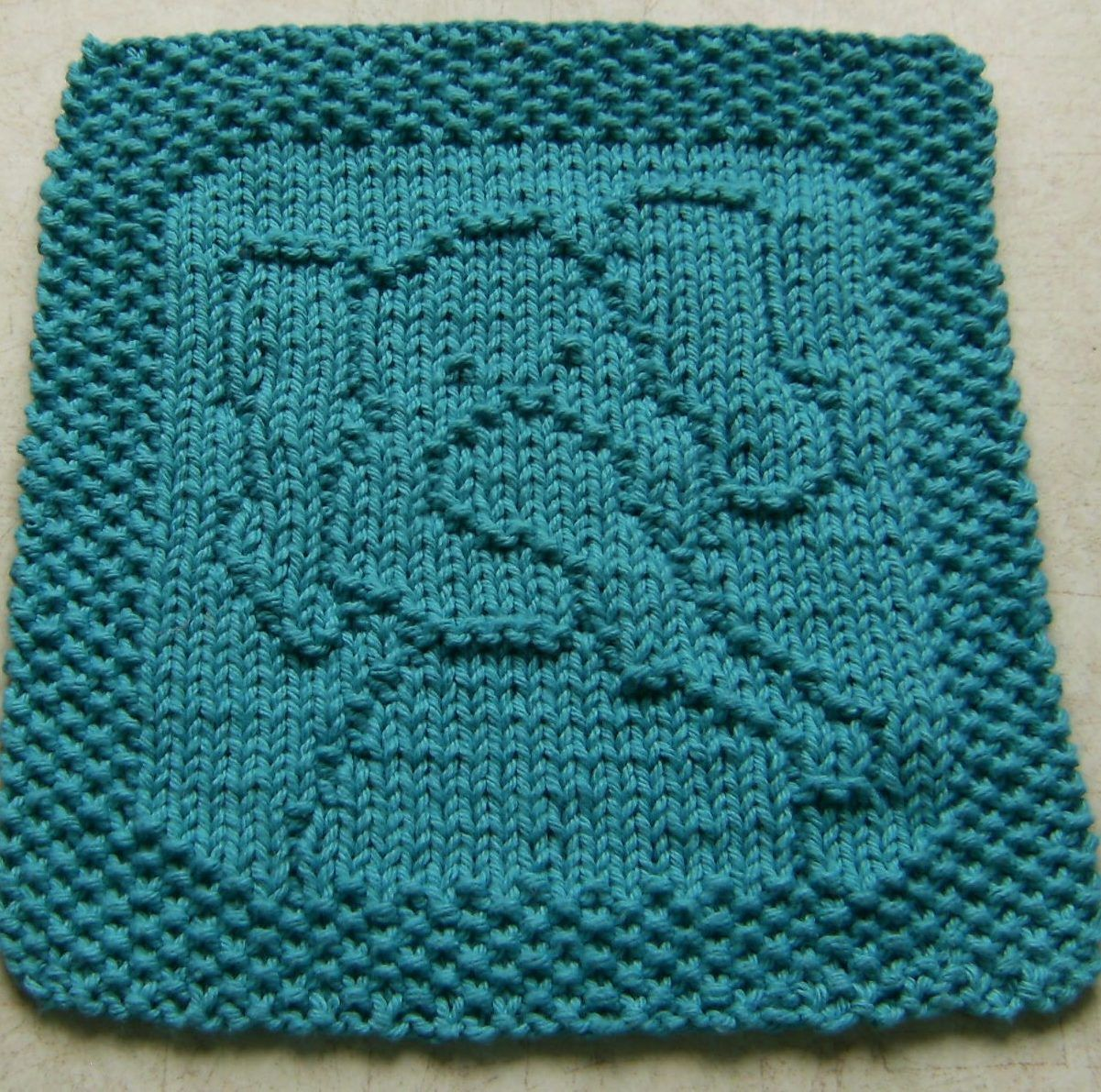 Free knitting pattern for peanut elephant cloth easy cloth free knitting pattern for peanut elephant cloth easy cloth designed by elaine fitzpatrick bankloansurffo Choice Image