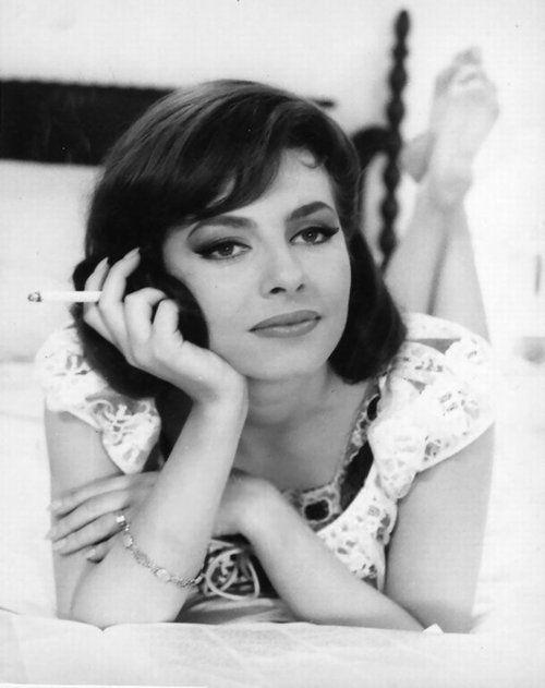 Michele Mercier in I Mostri (1963)
