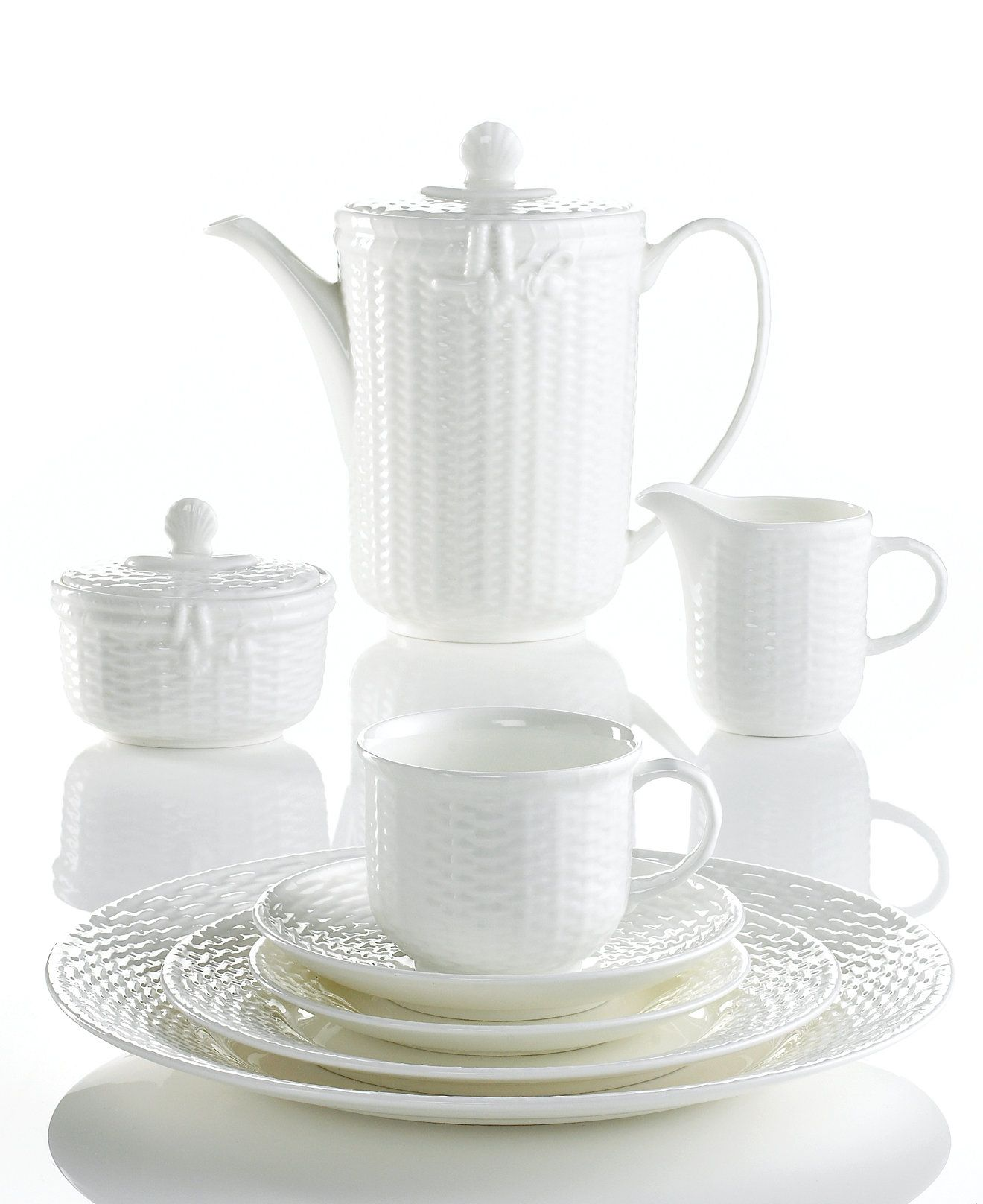 My other thought for daytime china. Wedgwood Dinnerware Nantucket Basket Collection - Fine China  sc 1 st  Pinterest & Wedgwood Dinnerware Nantucket Basket Collection | Wedgwood ...