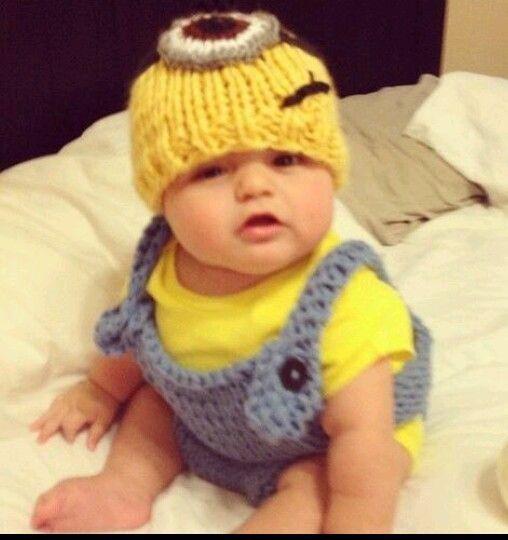 Newborn Minion Costume Sleeping Google Kereses Vicces Ruhak