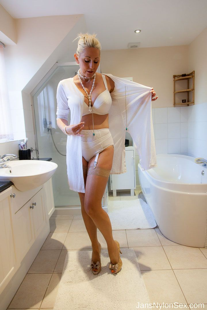 Pin by javier mendoza on matures pinterest stockings for Hot bathroom photos