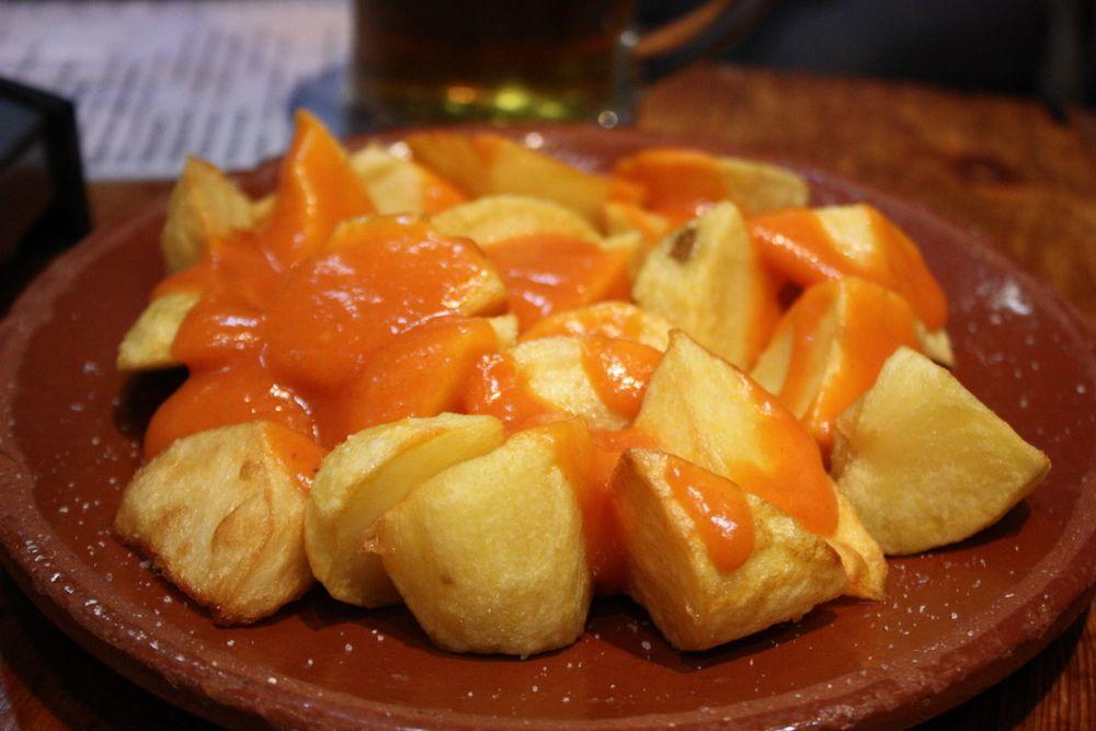 Patatas con salsa brava con Thermomix