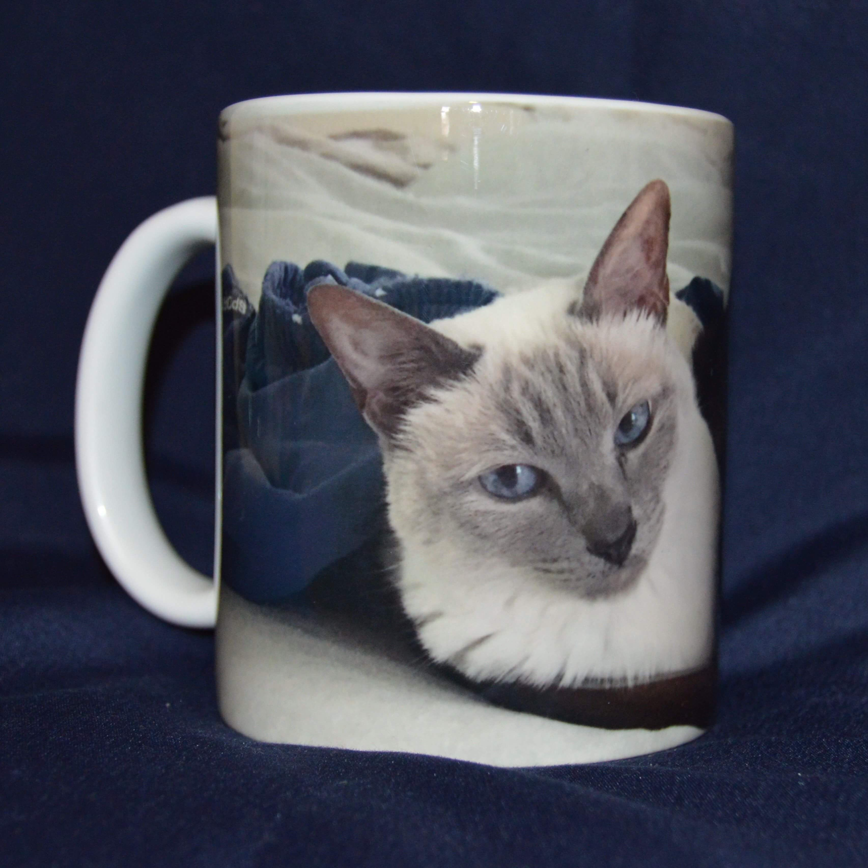 flip side of black siamese mug we can do a wrap around that will