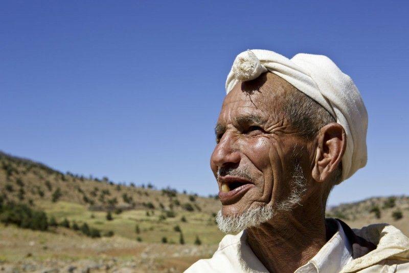 portrait d'un homme berbère nomade