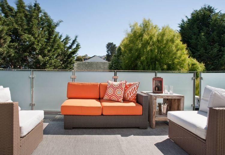 stahl balkongel nder mit milchglas f llung balkon pinterest balkon terrasse und balkon ideen. Black Bedroom Furniture Sets. Home Design Ideas
