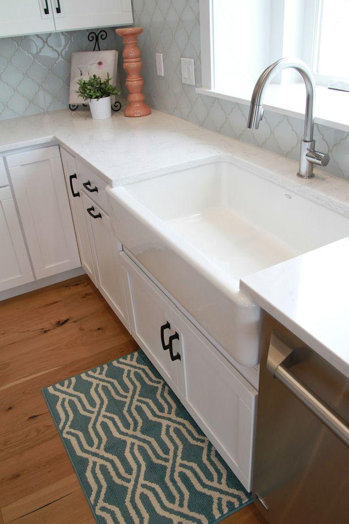 white arabesque glass tile backsplash tile house of turquoise home home decor. Black Bedroom Furniture Sets. Home Design Ideas