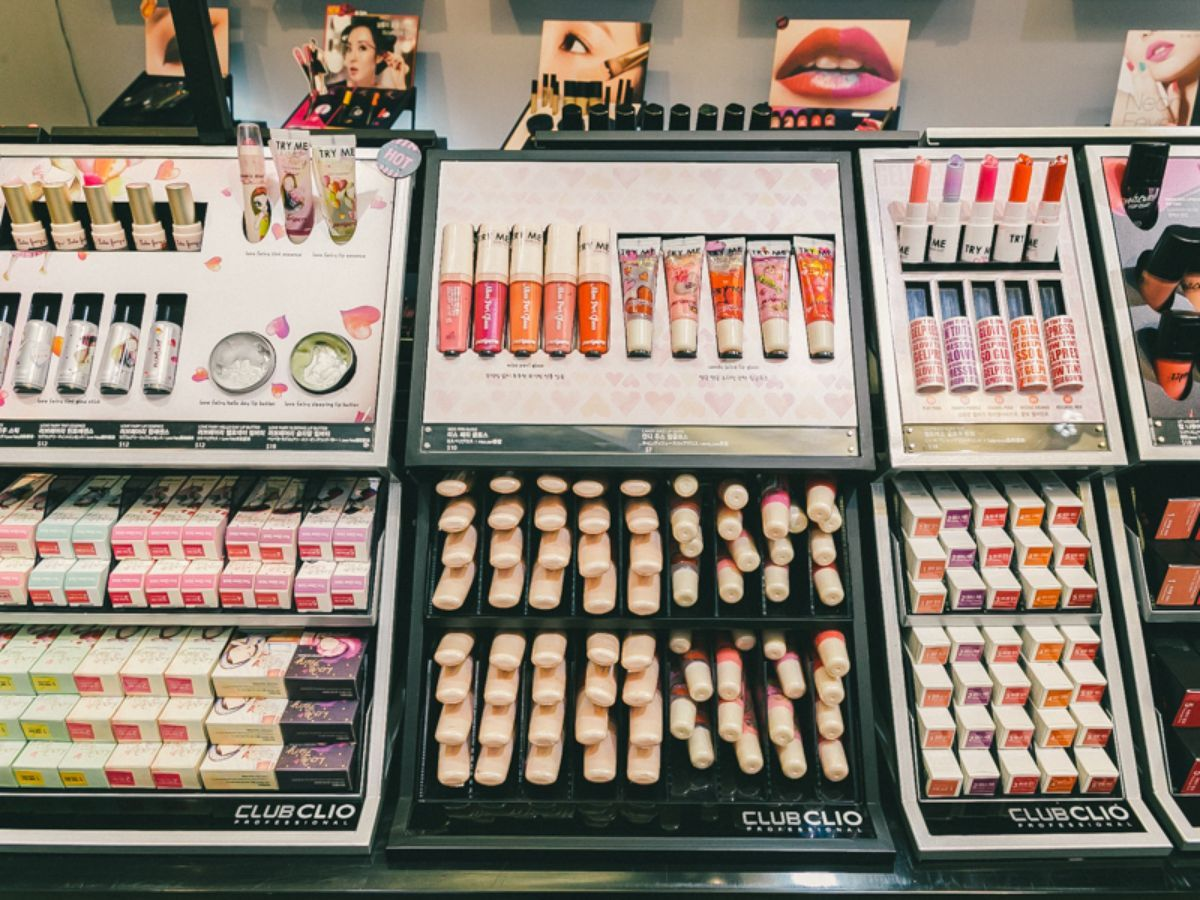 Blowout Bars, Nail Salons, Makeup Shops The Essential New