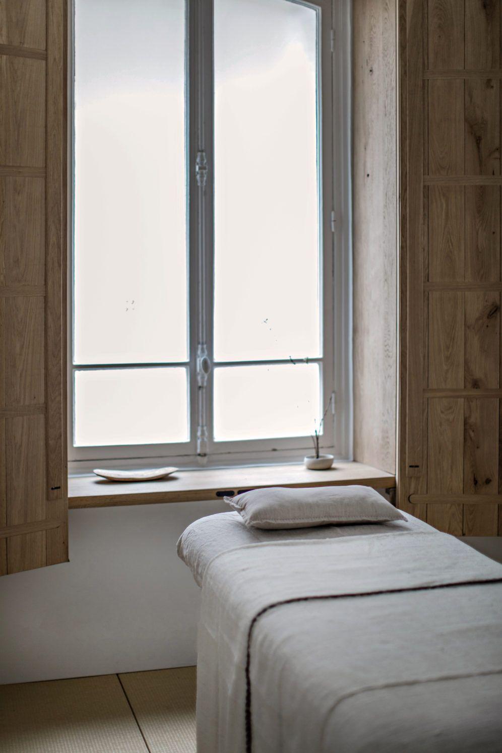 Emmanuelle Simon Architecte D Interieur Et Designer Paris Home Spa Room Hotel Interior Design Spa Interior