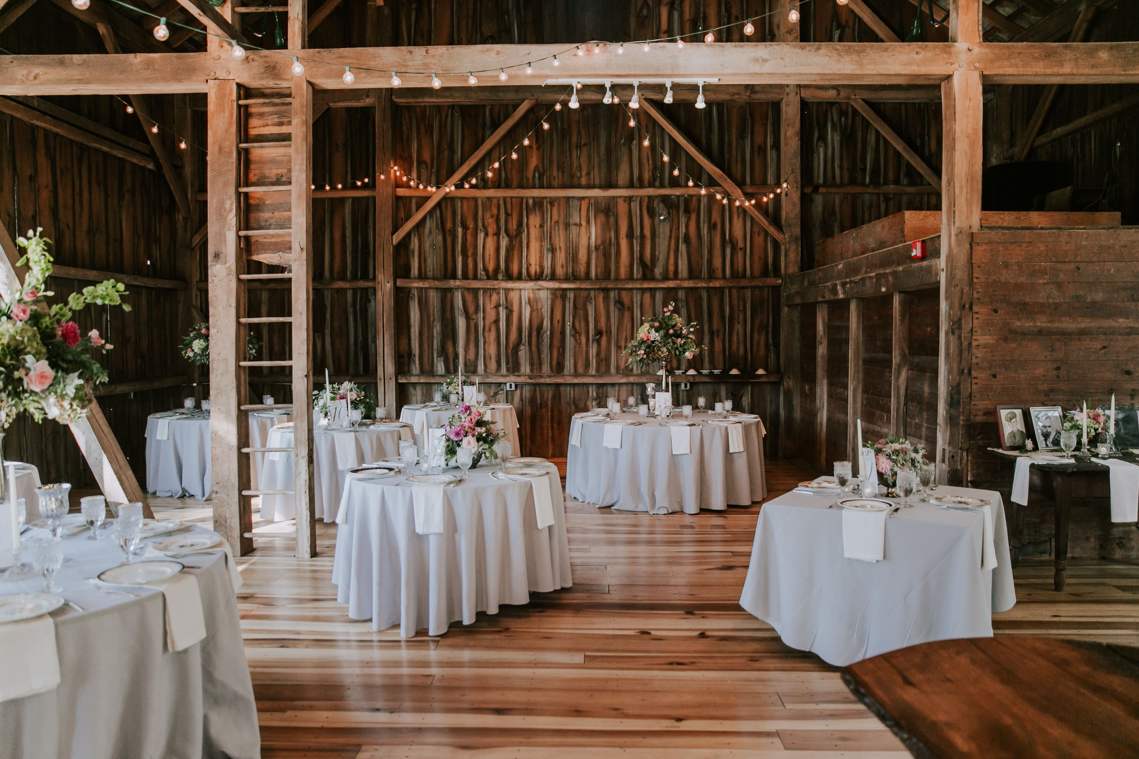 The Barn at Wolf Creek (With images) Rustic wedding