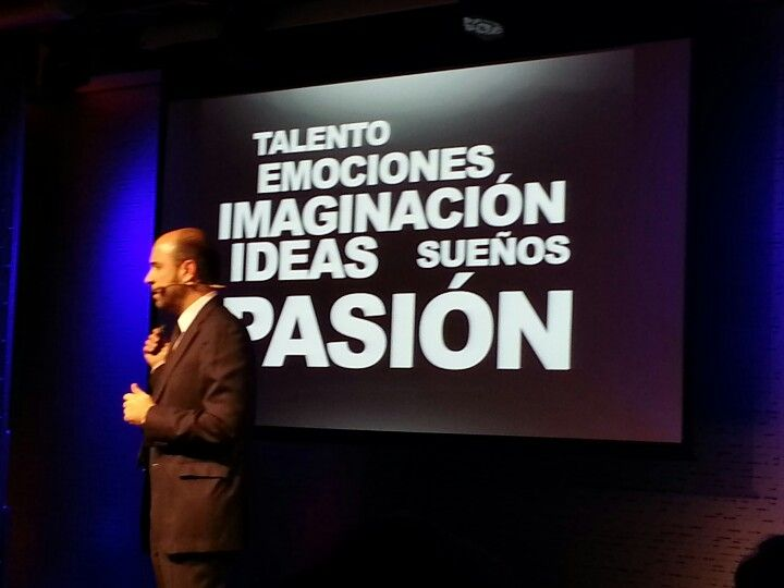 Y @juanjofraile nos habla de LA PASION, en #TEDxMoncloa me encanta!!