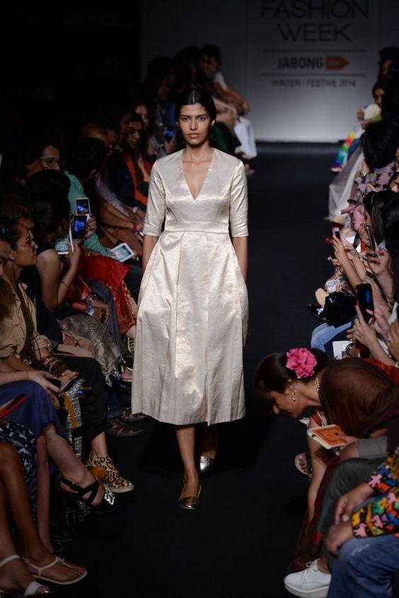By Sanjay Garg of Raw Mango. Bridelan - Personal shopper & style consultants for Indian/NRI weddings, website www.bridelan.com#traditional #banarasi #weavesofbanaras #regal #royal #varanasiweaves #banarasirevival #indianwedding #indianwear #banaras