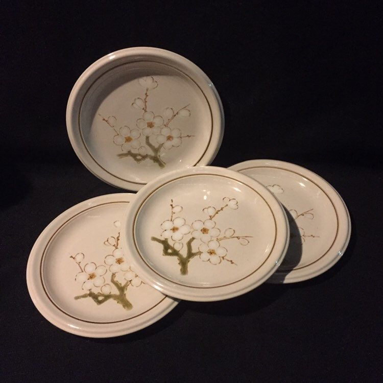 Mikasa Winter Song Salad Plates Vintage 4558 In 2020 Plates Salad Plates Winter Songs