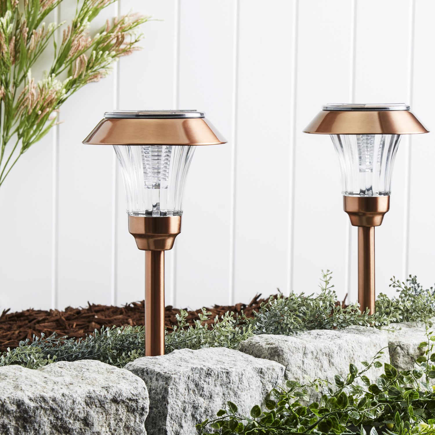 Sulis Copper Solar Path Lights Set Of 4 Solar Landscape Lighting Solar Pathway Lights Solar Path Lights