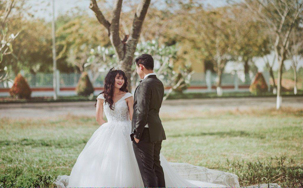 Affordableweddingbands Id 898243912 Wedding Photographers Best Wedding Photographers Inexpensive Wedding Venues