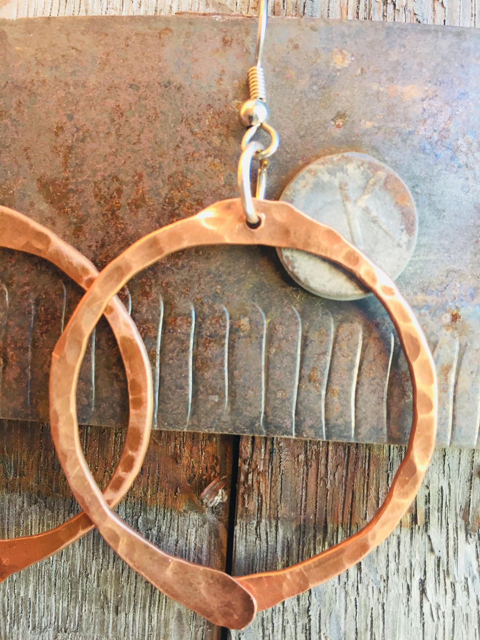 Hand crafted jewelry wire jewelry precious stones