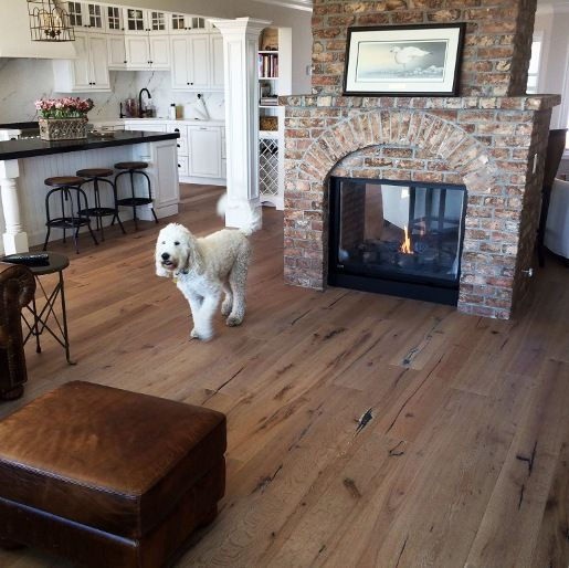 White Oak European Sawn Evelien Oil 5 8 X 7 1 2 X 24 75 Rustic 4mm Wear Layer Medium Br European White Oak Floors White Oak Floors Hardwood Floors In Kitchen