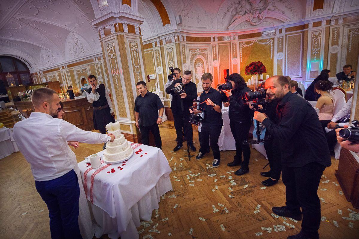 #weddingday #bride #groom #bride&groom #wedding #location #weddingcouple #couple #weddingsession #love #kiss #nikon #dress #body #weddingforward #weddingphotography #weddinginspiration #weddingideas #weddingplanning #weddingphoto #weddingtime  #weddingphotographer #weddingidea #weddingshot #instaphoto #instaphotos #bridalphotography #mariuszmajewski #mariuszmajewski.com #artnuve #mariuszmajewskiphotographer