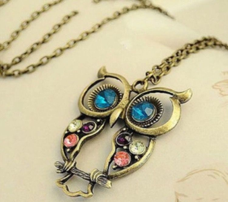 Antique/Vintage Style Owl Necklace #gift #jewellery #accessories #antique #vintage #vintagestyle #owl #animals #cute #necklace #pendant http://m.ebay.co.uk/itm/Free-Gift-Bag-Antique-Vintage-Style-Owl-Pendant-Necklace-Chain-Jewellery-Xmas-/282060173546?nav=SELLING_ACTIVE