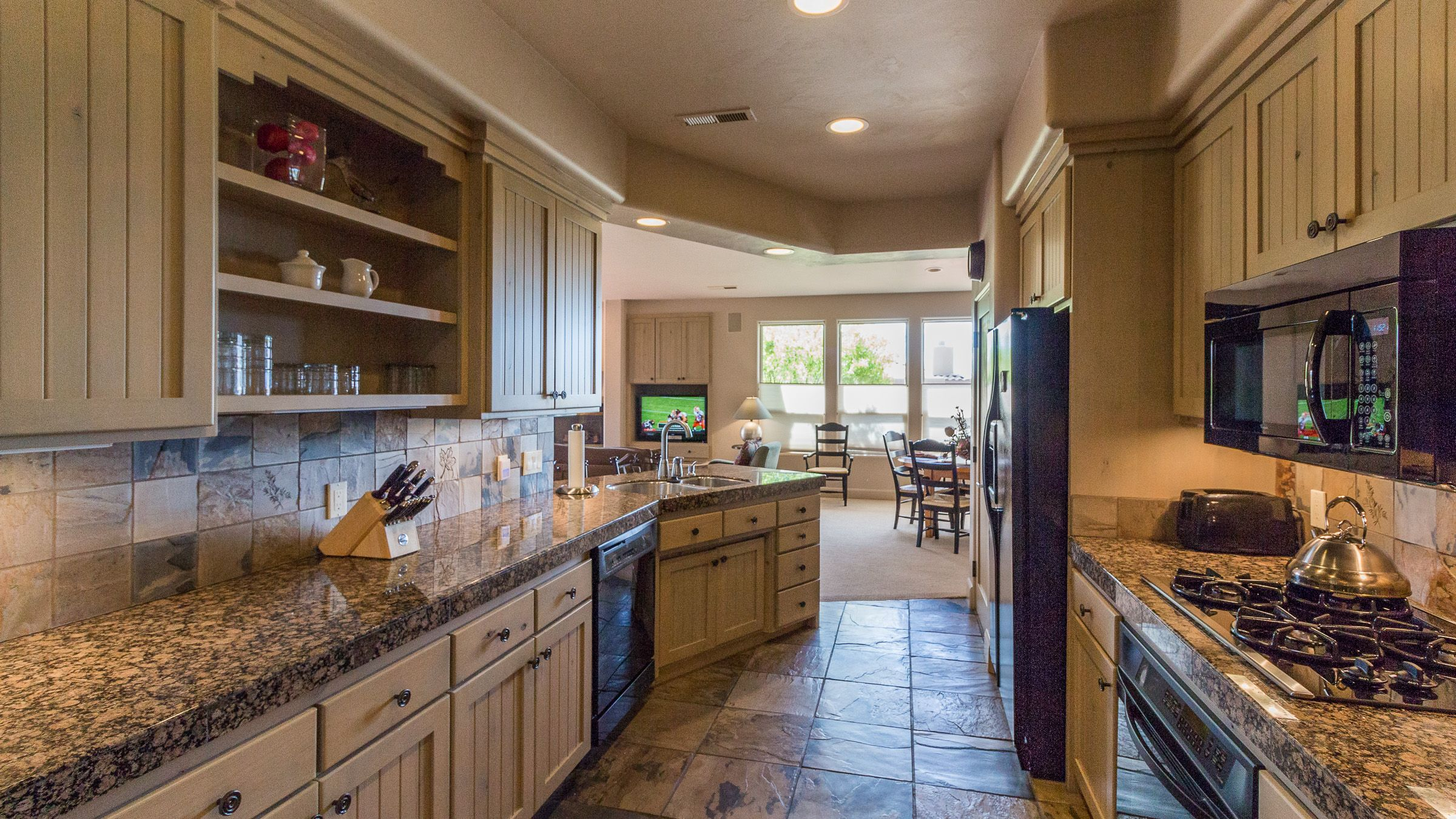 Dog friendly immaculate 2br2ba vacation home in beautiful