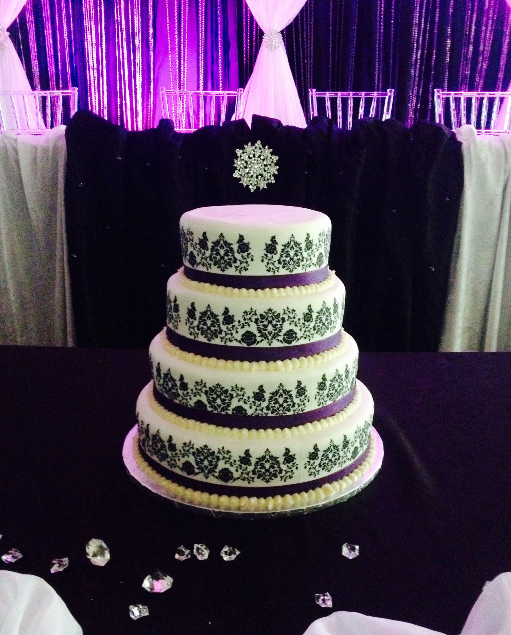 tier damask wedding cake vanilla cake with vanilla buttercream and