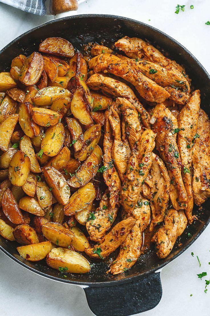 Knoblauchbutter-Hähnchen-Kartoffel-Pfanne - Eine Pfanne. Erstaunliche Aromen. D... - Nora K. #skilletrecipes