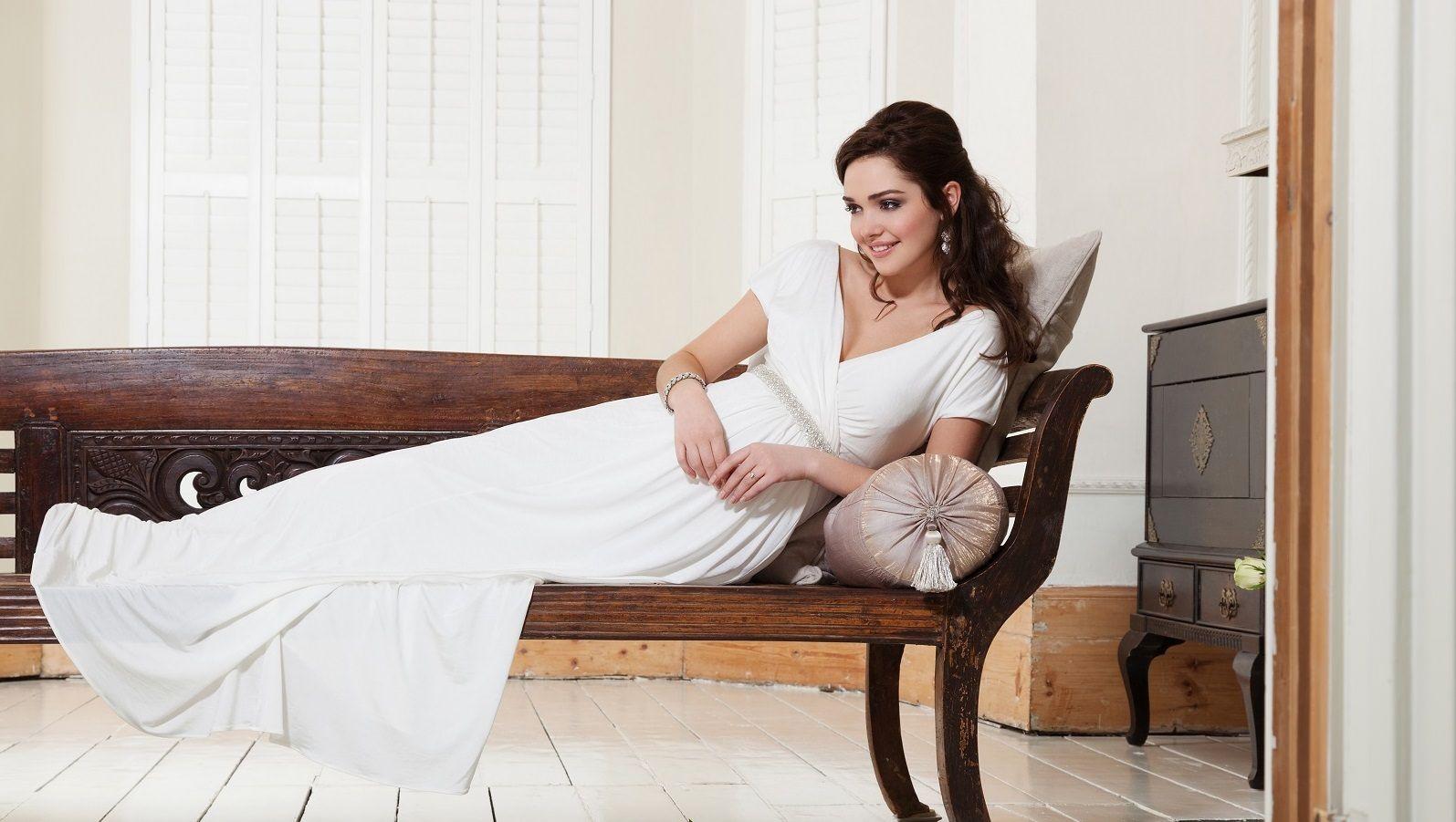 Edel und Leicht – Brautkleider für Schwangere von Tiffany Rose ...