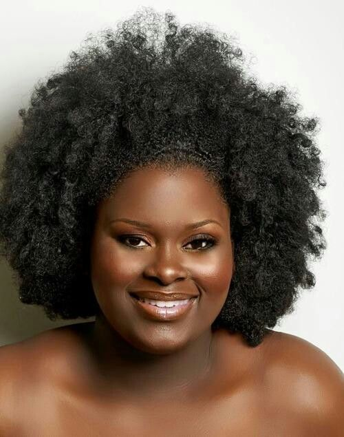 (via Afro Divas) Beautiful woman, Beautiful skin, Beauiful hair!