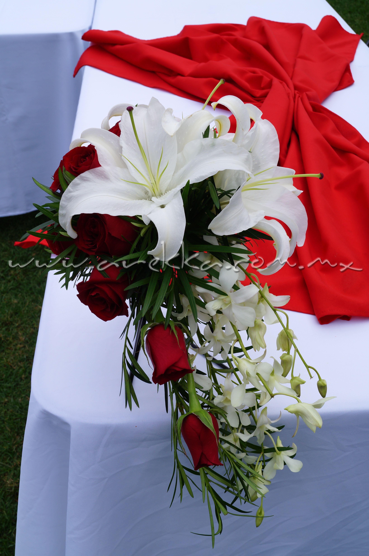 Ramo Principal / Rosas+ Casa blanca + orquideas