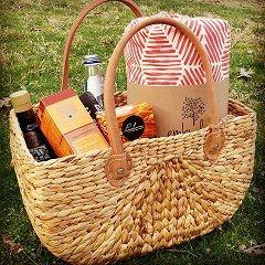 Emby Love - Hamper Basket with Picnic Blanket