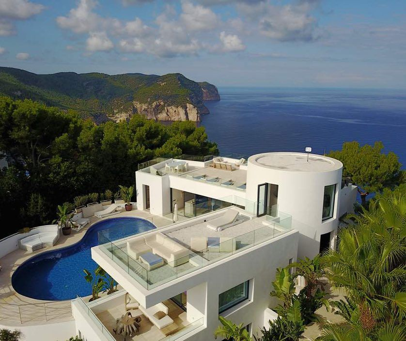 Experience Ibiza With Villa Bright Blue From Usd 1 595 Per Night For Up To 10 G Check Mor Ibiza Villa Panoramic Views