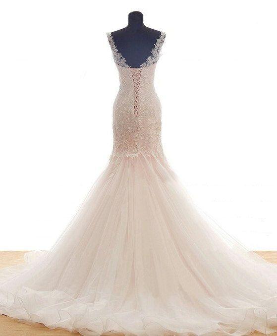 Hochzeit Kleid/Champagner Lace Mermaid von IZADORAboutique auf Etsy ...