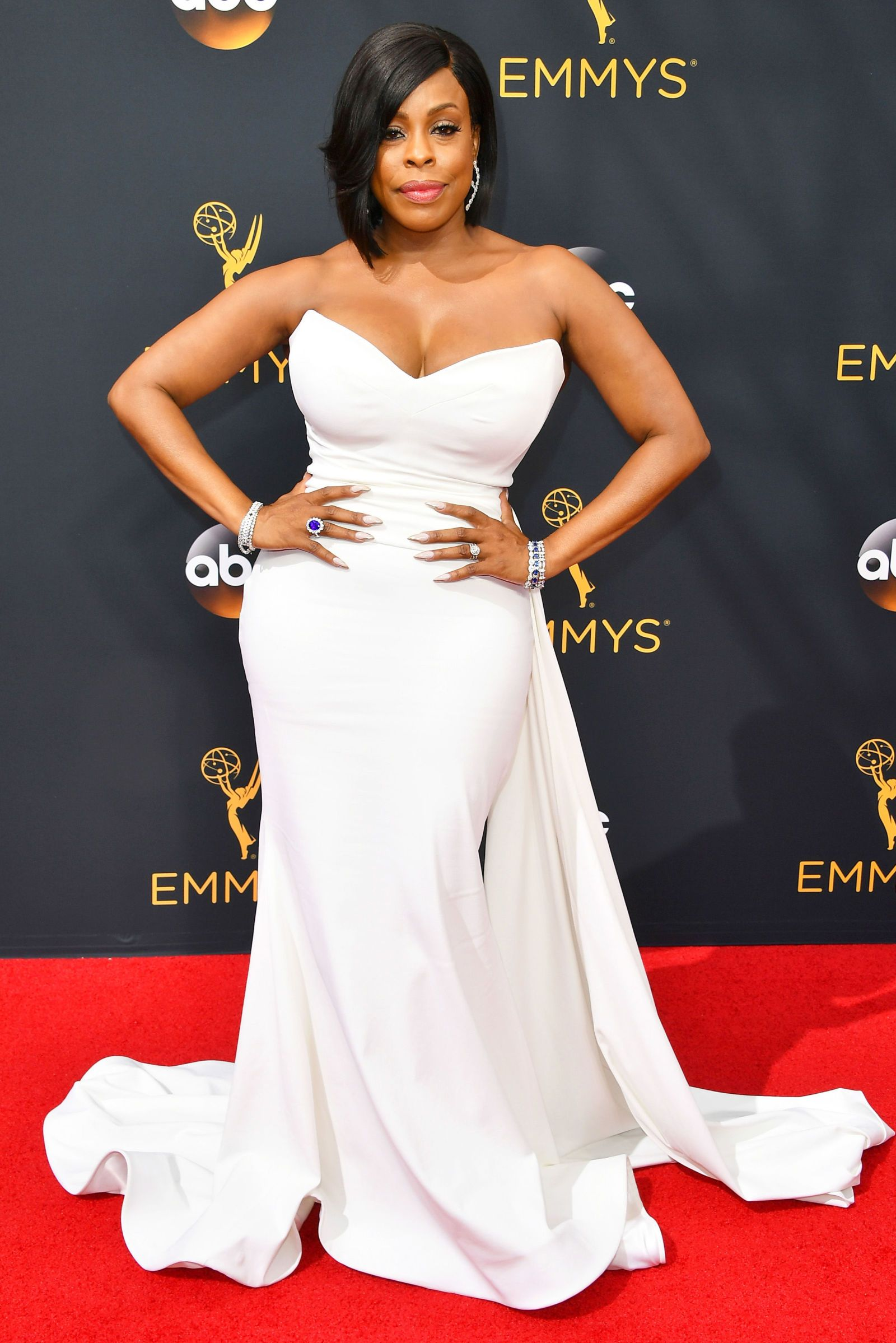 See All the Looks From the 2016 Emmy Awards Celebrity