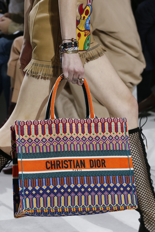 Christian Dior Spring 2018 Ready-to-Wear Accessories Photos - Vogue 21f012e5ecb1d