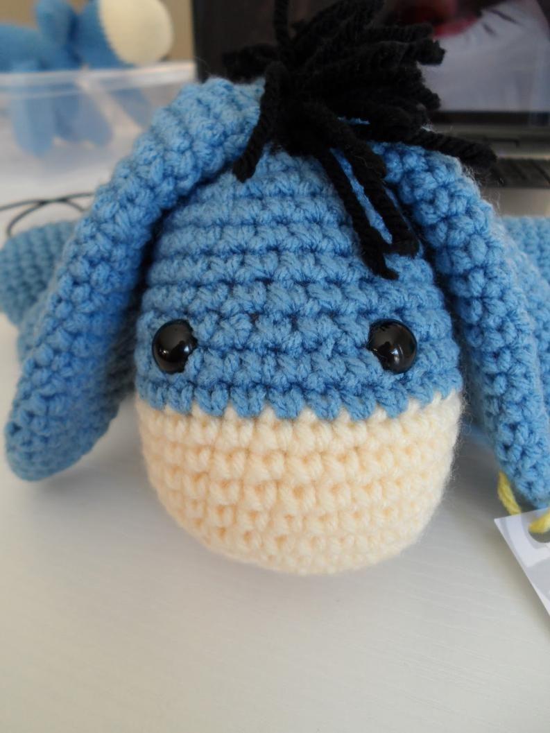 Cómo hacer a Eeyore en crochet | Eeyore, Patrones amigurumi y Burritos