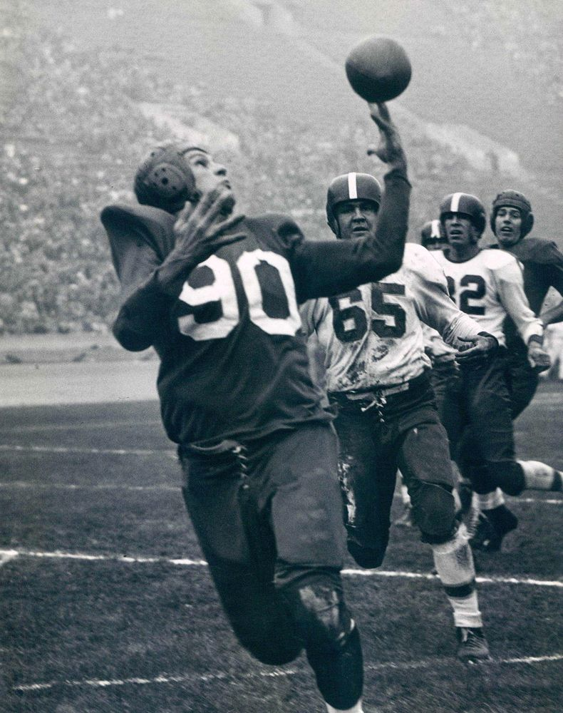 The Los Angeles Dons The City S First Professional Football Team Are Seen Here Playing Th Professional Football Teams Football Conference American Football