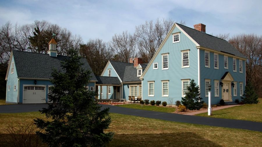 Farmington Saltbox Painted In Historic Meetinghouse Blue Colonial Exterior Saltbox Houses Colonial House