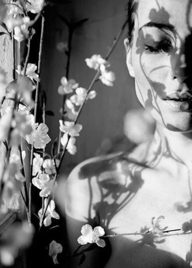 60 Stunning Hard Shadow Photos - Half-Shadow, Half-Light, Half Girl - Lava360