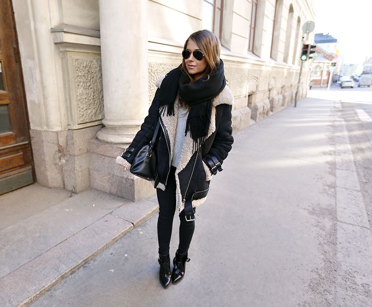 Coat & Scarf: Acne Jeans: Topshop. Boots: Zara. Bag: Saint Laurent