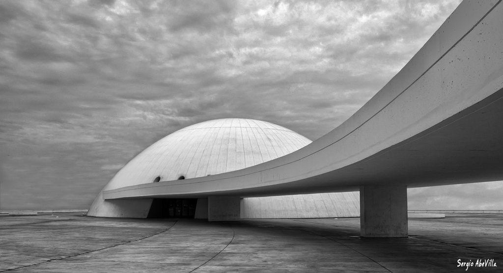 Niemeyer center Reservados todos los derechos, no use esta imagen sin consentimiento de su autor ©Sergio AbeVilla. All rights reserved, you don't use this image without permission of the author ©Sergio AbeVilla.