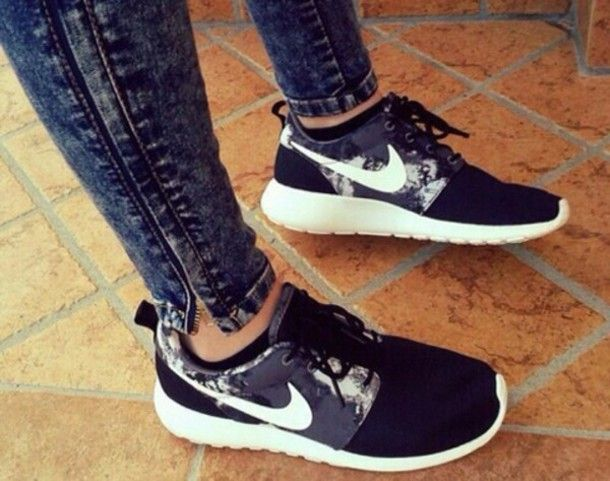 nike womens shoes roshe run sneakers