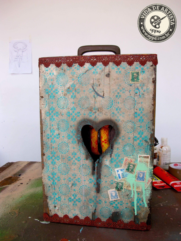 Escultura -> Vermelho  #arte #escultura #atelier #pintura #renda #coracao #grafite
