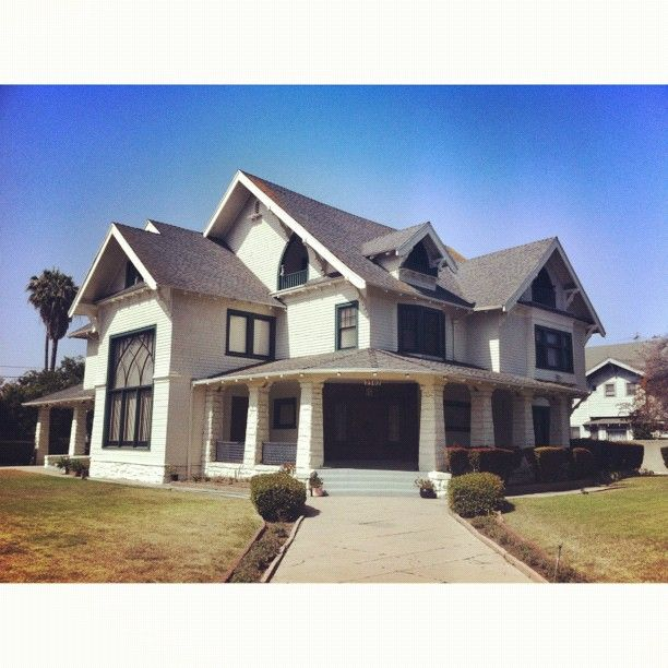 Fisher Sons Funeral Home Or Fisher Diaz From Six Feet Under Still The Best Tv Drama I Ve Ever Seen Myviewrightnow Sixfeetunder Hbo Losangeles