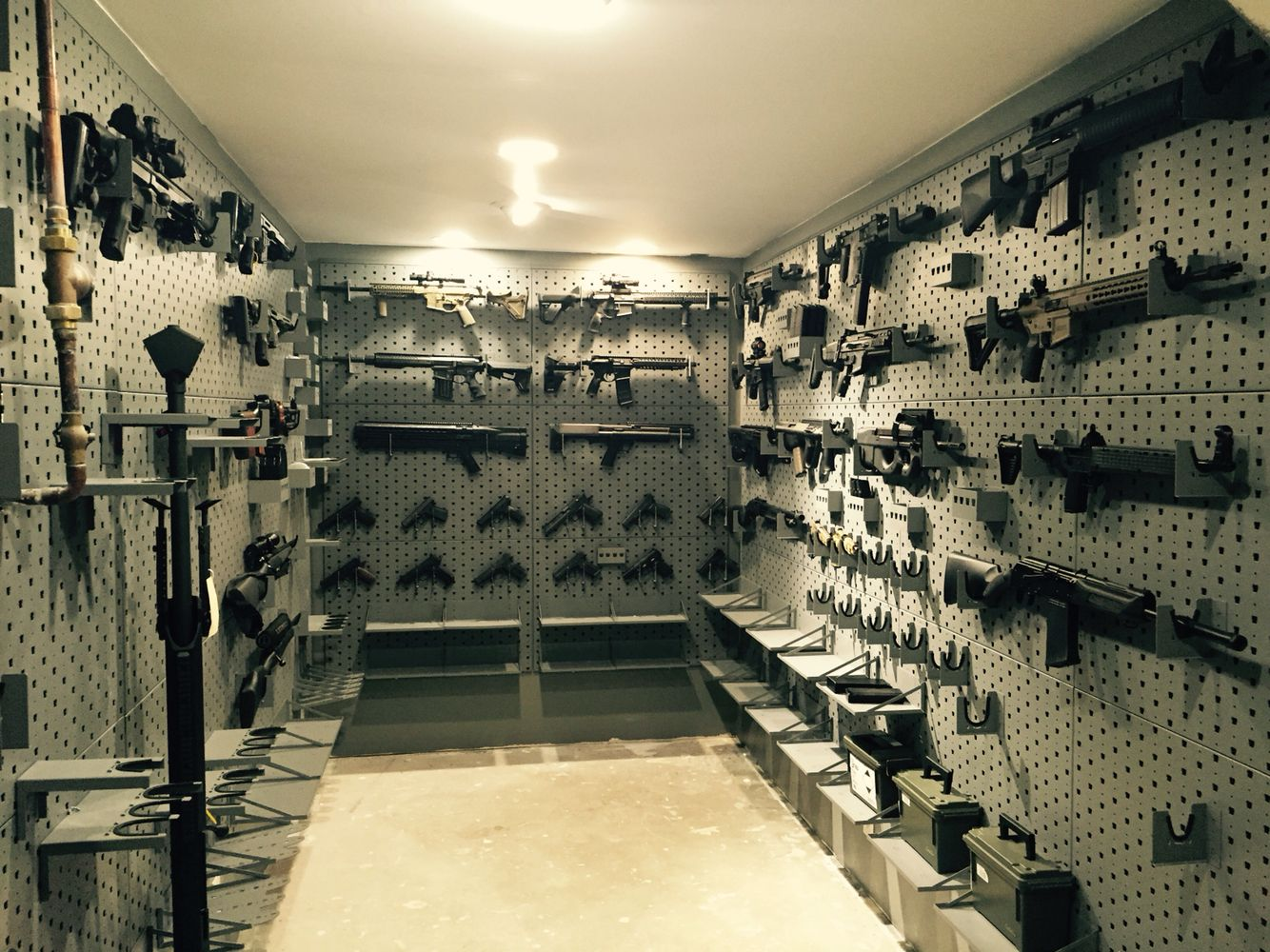 Gun room safe room gun collection gun wall secret room for Secret design